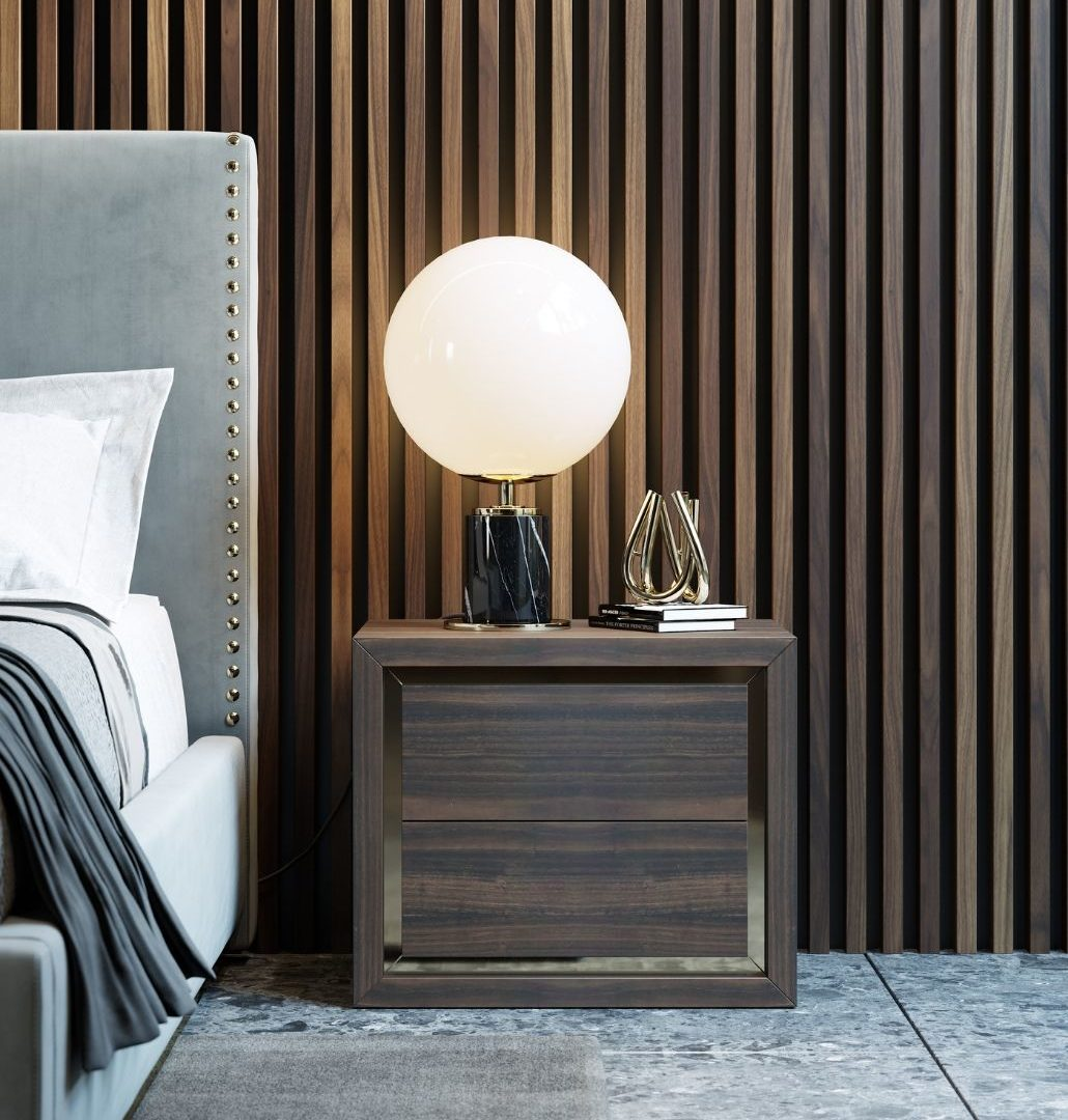 mesa de cabeceira em madeira para quarto moderno