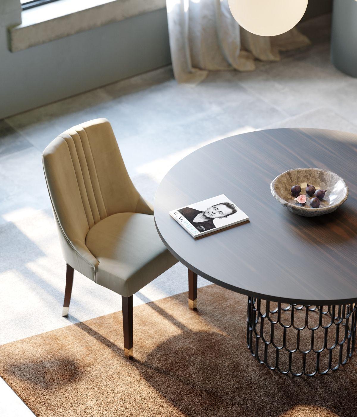 mesa de jantar em madeira e cadeira em tecido