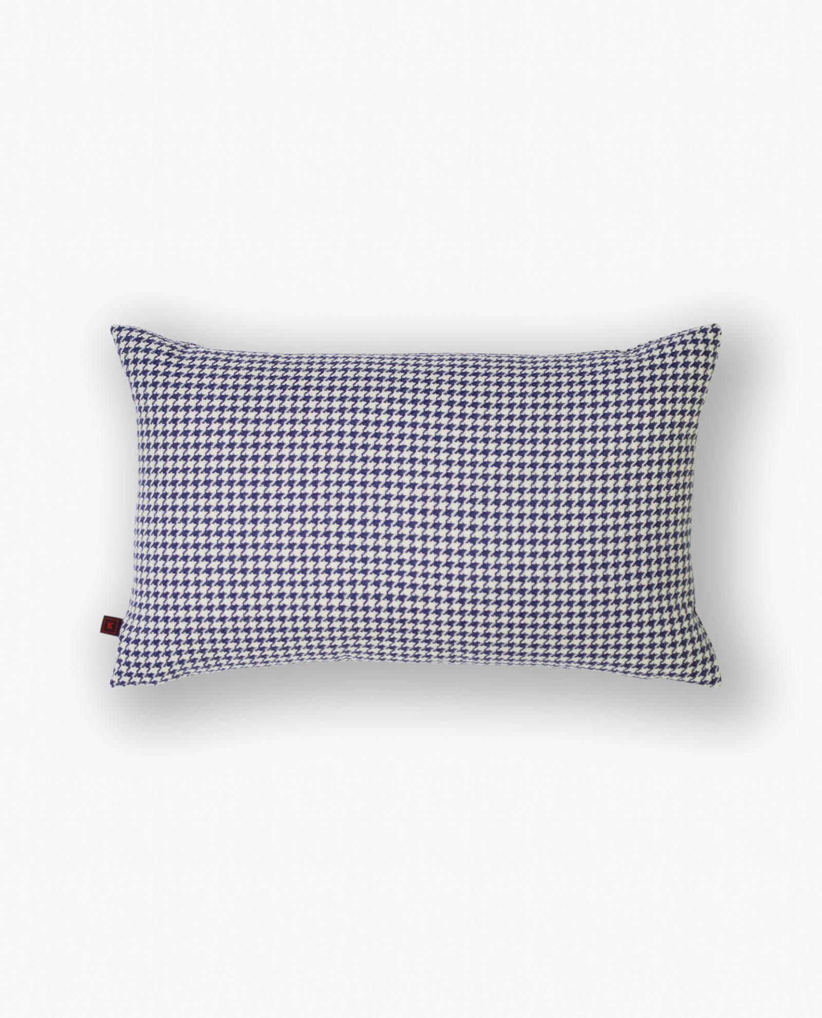 almofada decorativa padrão azul