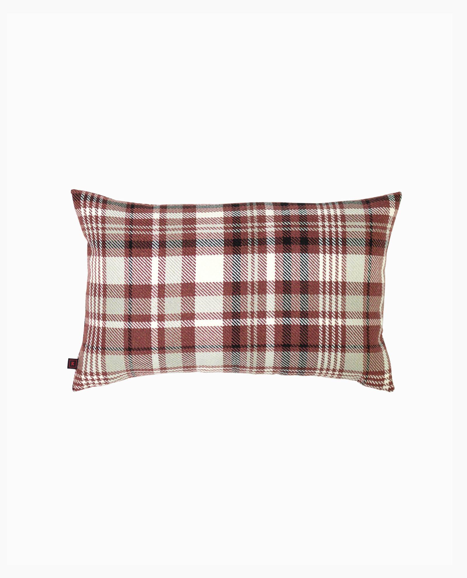 almofada vermelha com padrão