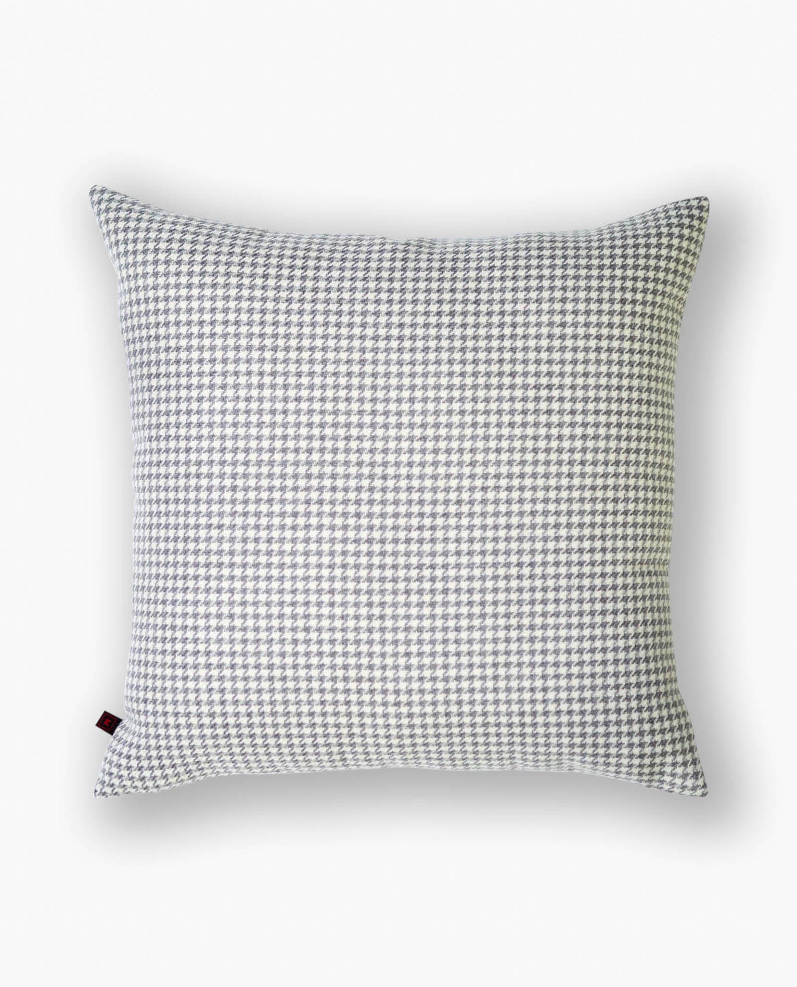 almofada decorativa cinza