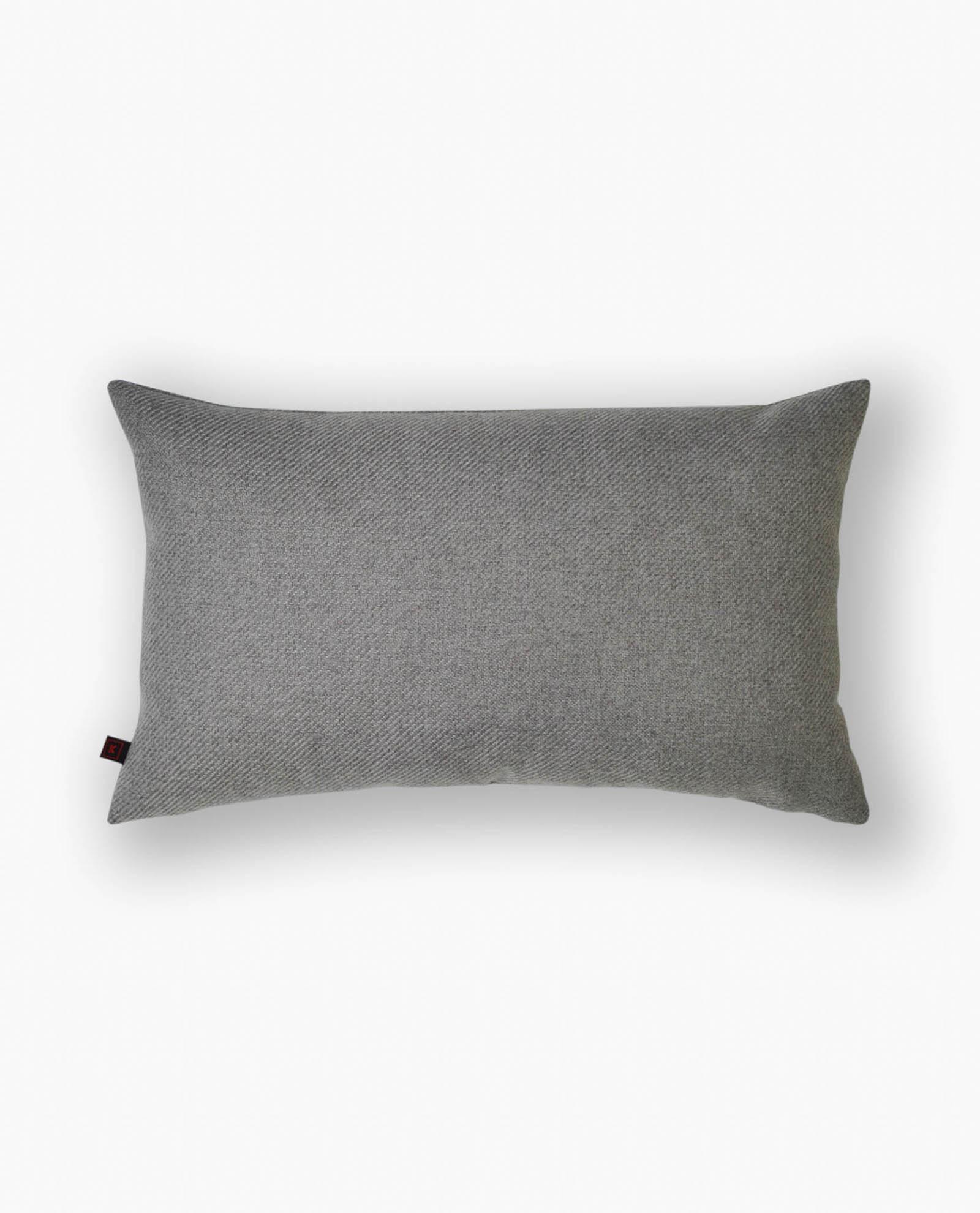 almofada cinza