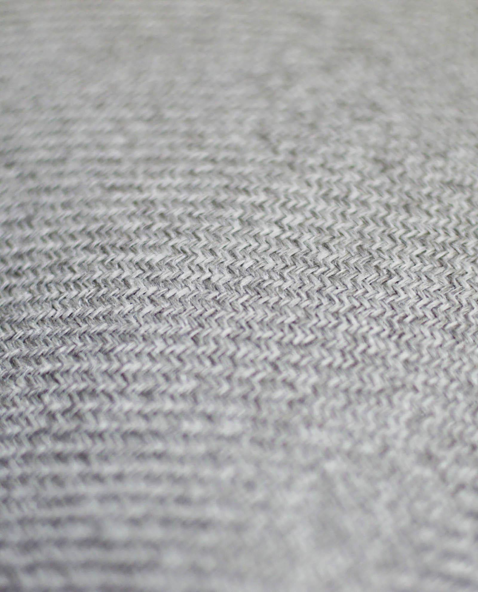 almofada em cinza