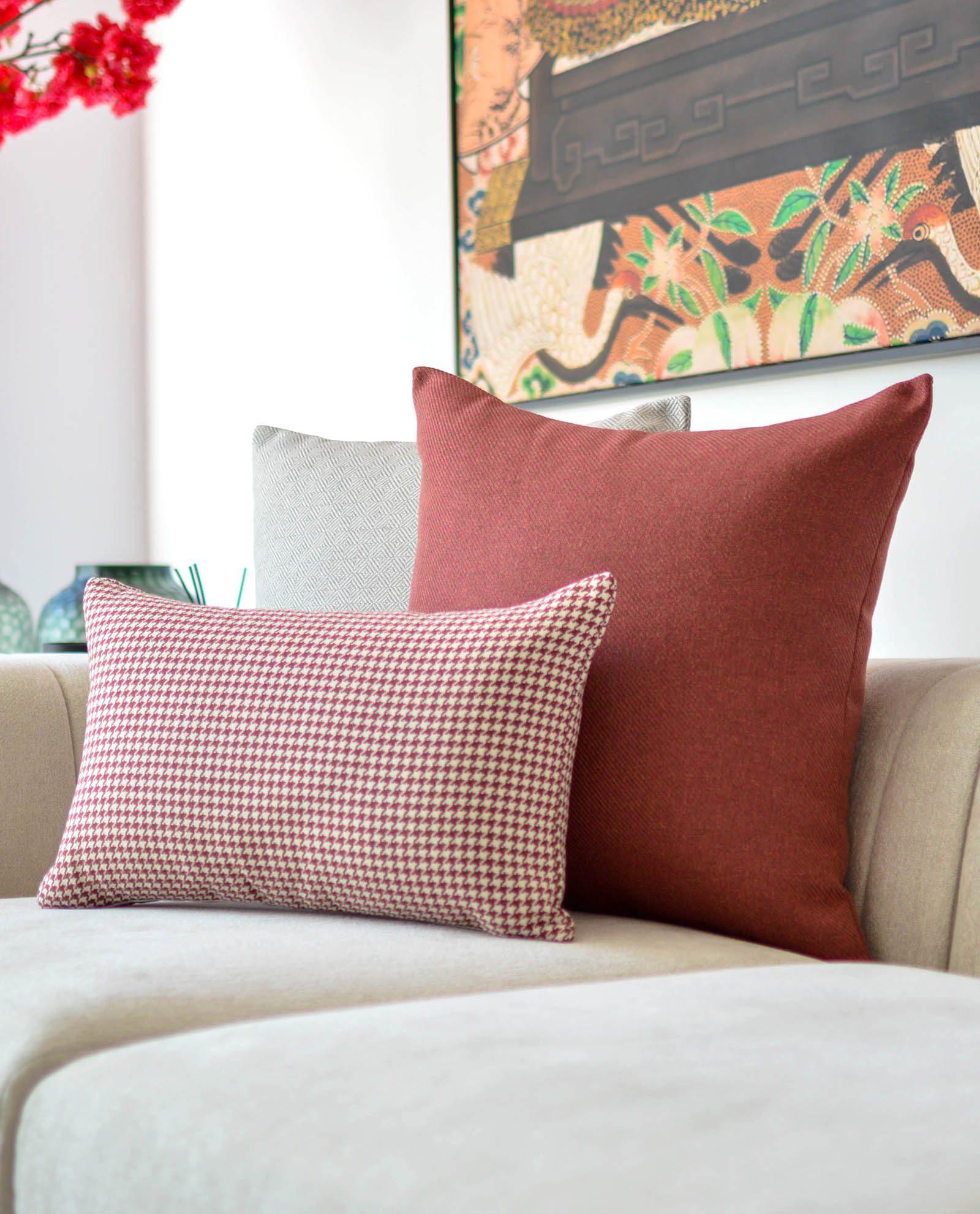 almofada padrão em vermelho