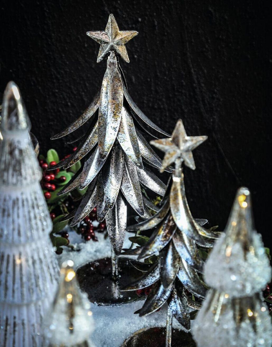 árvore de natal em metal
