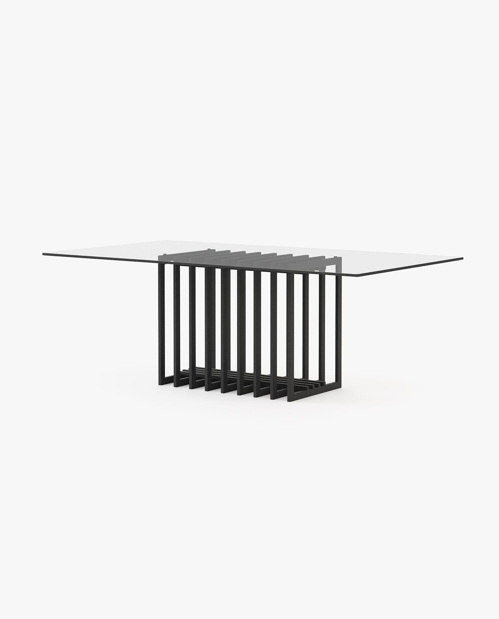 mesa de jantar com ferro preto e vidro